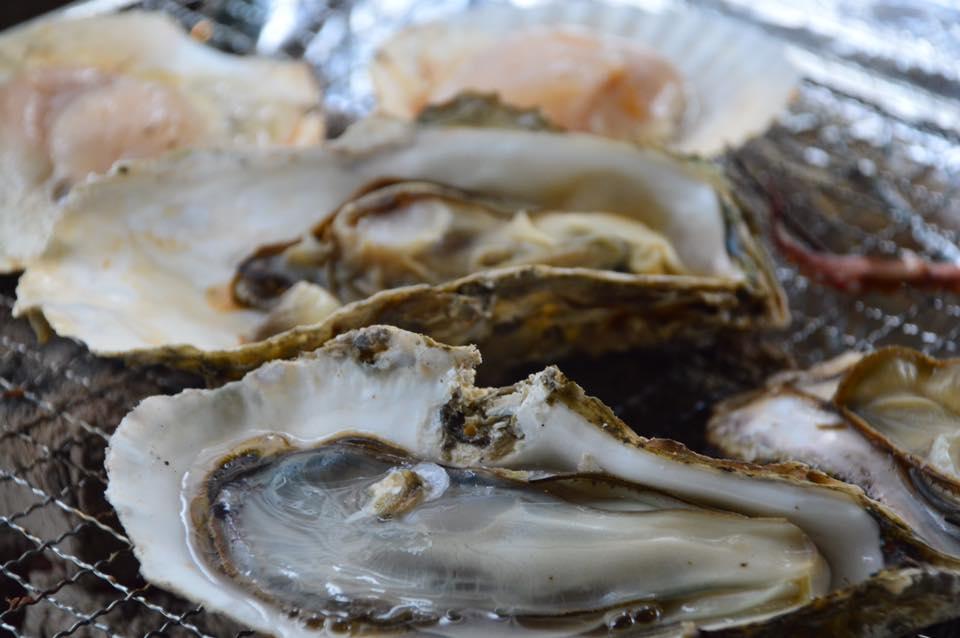 牡蠣とレモン&牡蠣は牡蠣奉行【出張牡蠣小屋】牡蠣奉行inイオンモール川口